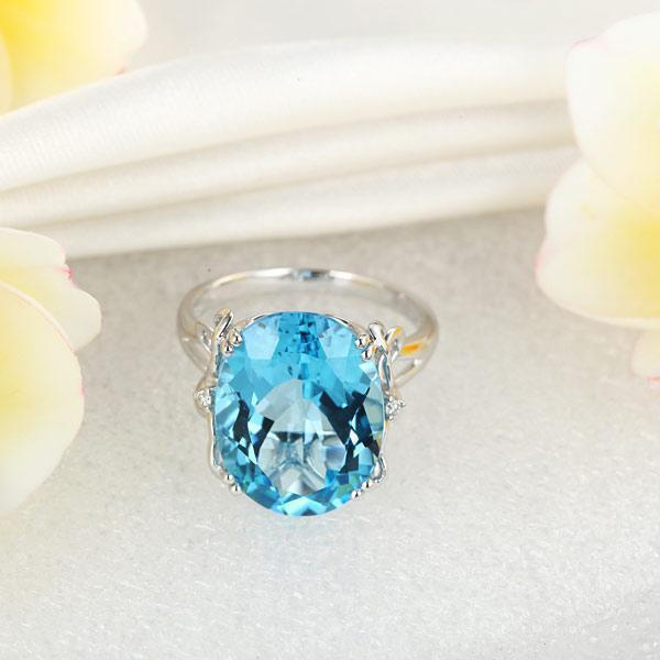 Swiss Blue Topaz (10.3ct) Ring in 14k White Gold with Diamonds (0.03ct) 14K Gold Engagement Rings Oanthan