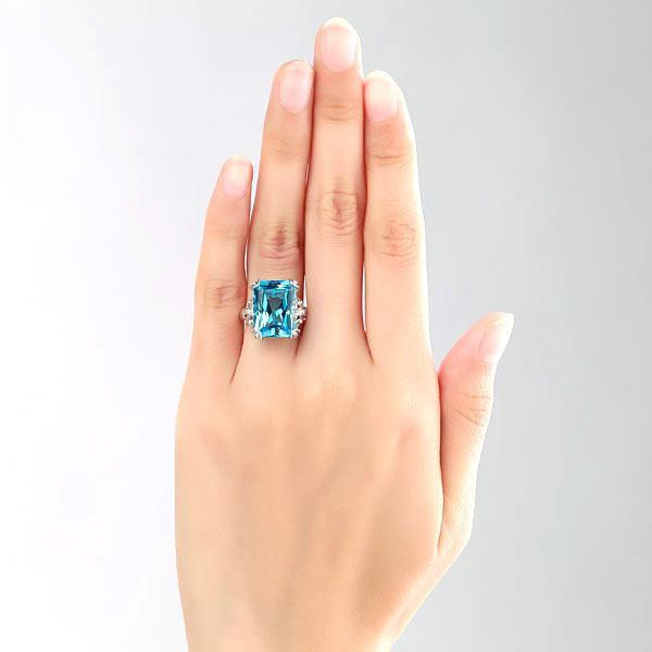 Swiss Blue Topaz (13ct) Ring in 14k White Gold with Diamonds (0.13ct) 14K Gold Engagement Rings Oanthan