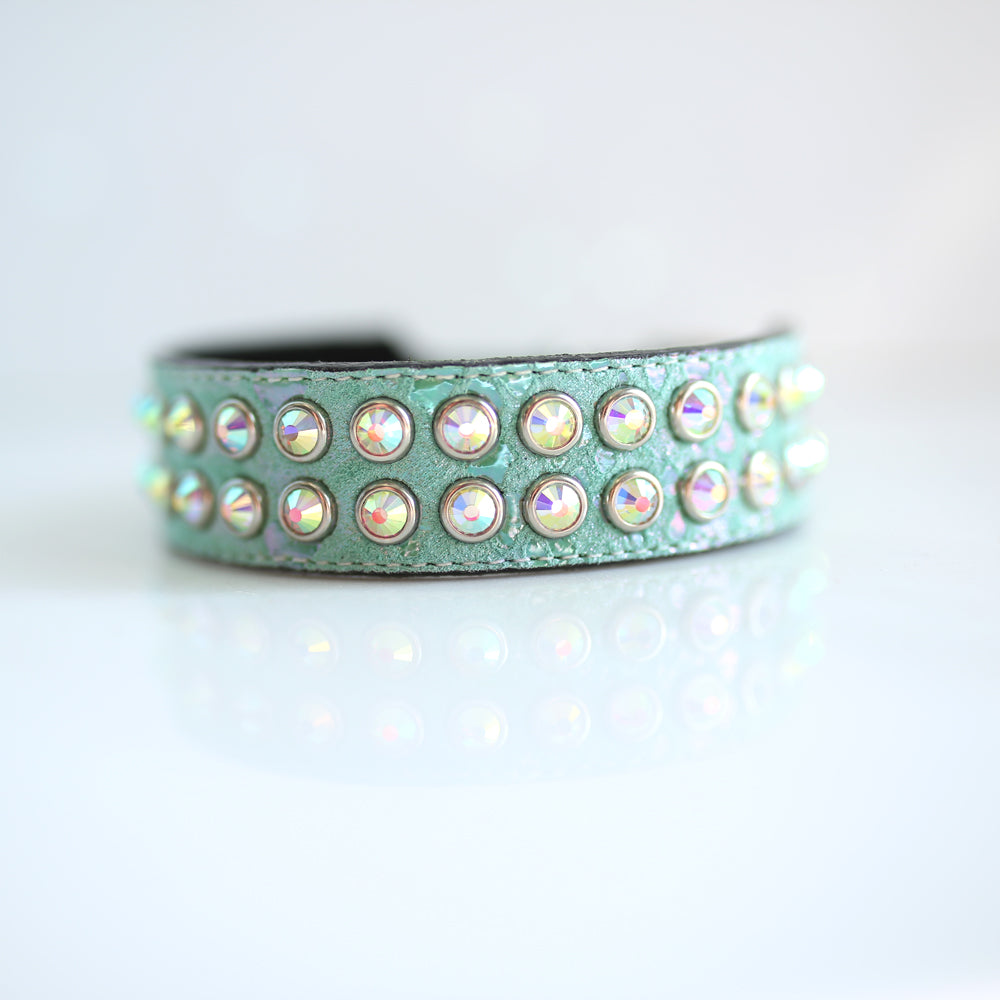 Mucho Crystal Dog Collar: Green Pearl