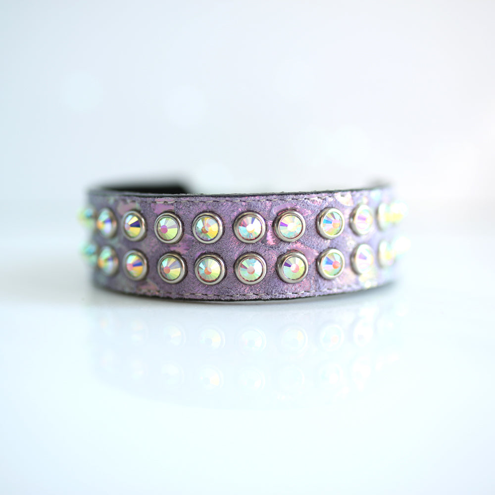 Mucho Crystal Dog Collar: Lilac Pearl