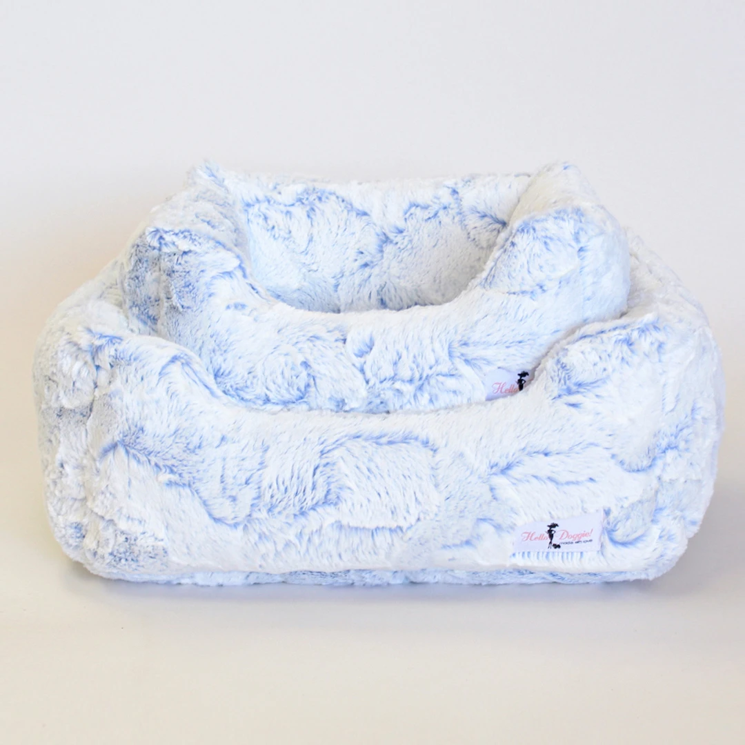 Whisper Dog Bed: Blue Lotus