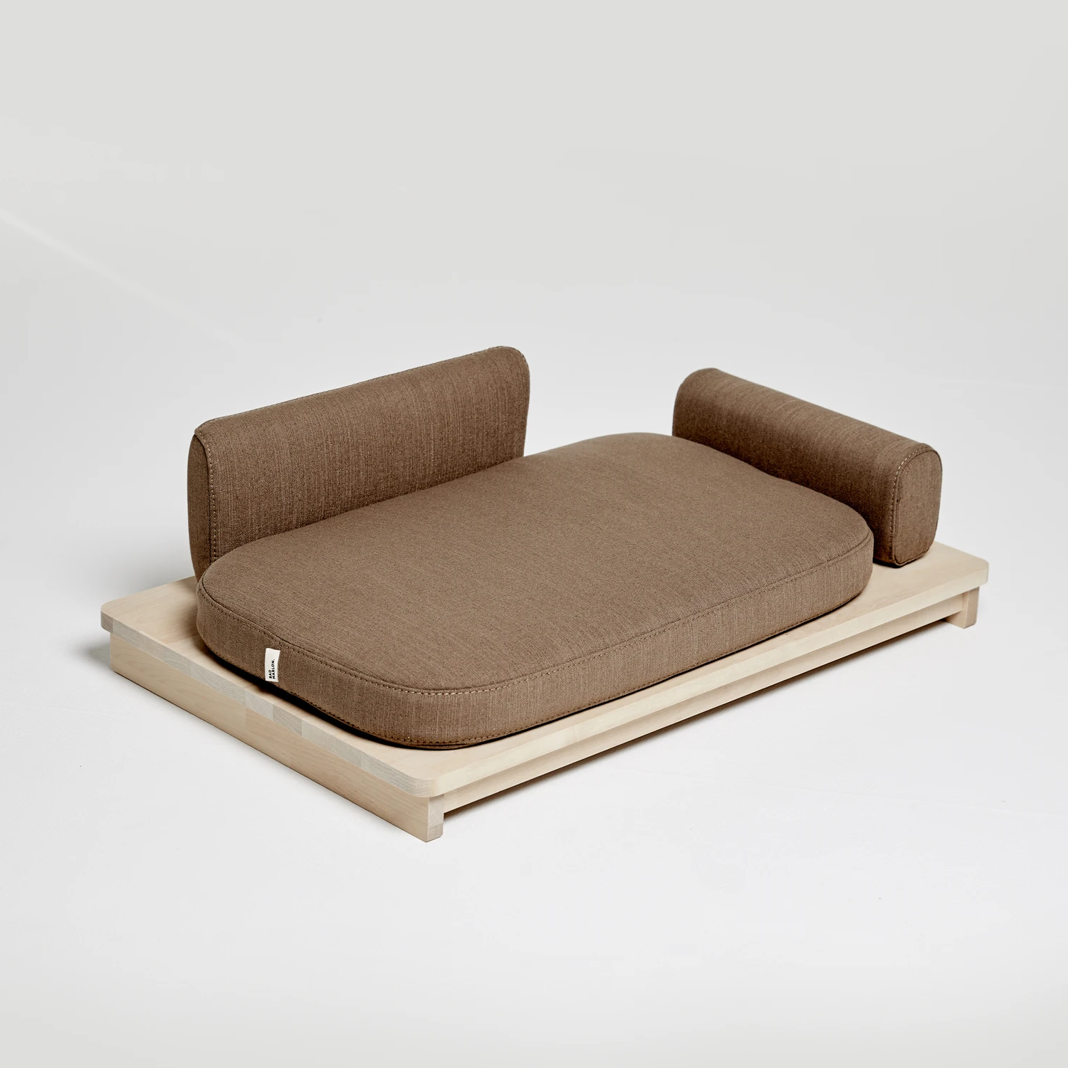 Linden Day Dog Bed: Brown