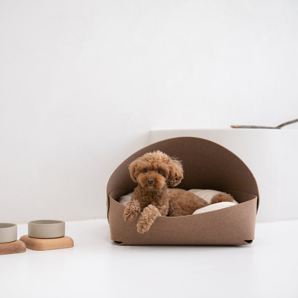 Marron Dog Bed: Brown