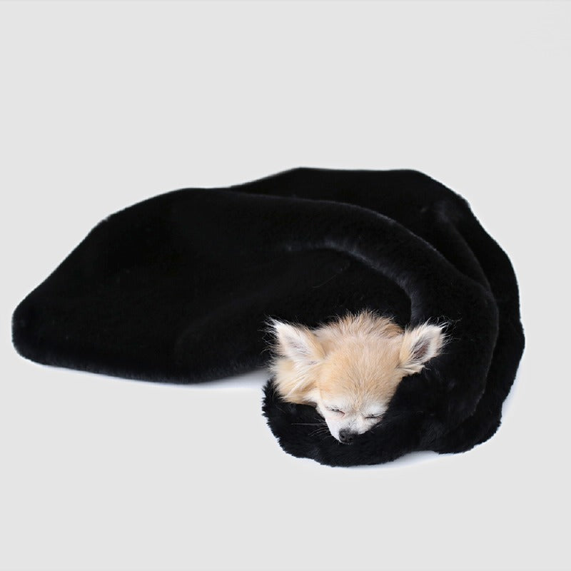 Divine Dog Blanket: Black
