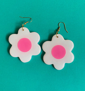 *SALE* Big White and Pink Daisy Dangles
