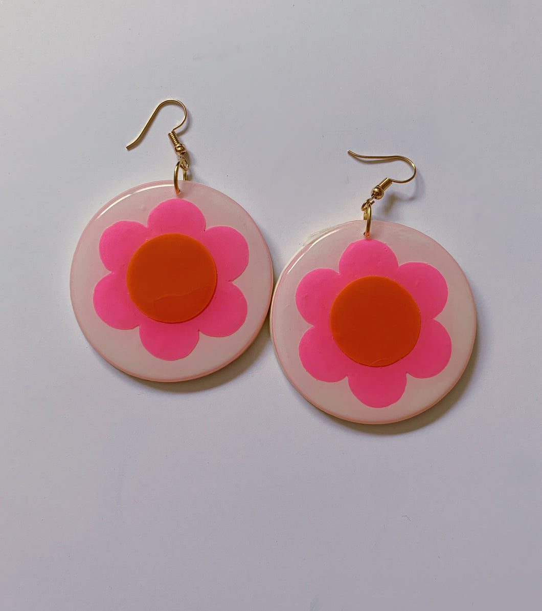 *SALE* Big White, Pink and Orange Daisy Circle Dangles