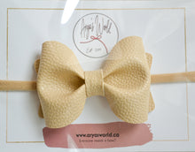 Load image into Gallery viewer, Off White Audrey Bow