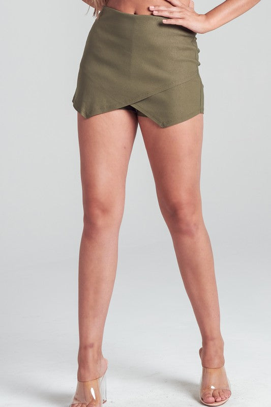 SEALED WITH A KISS SKORT