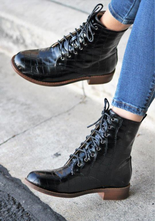 CROCO LACE UP BOOT