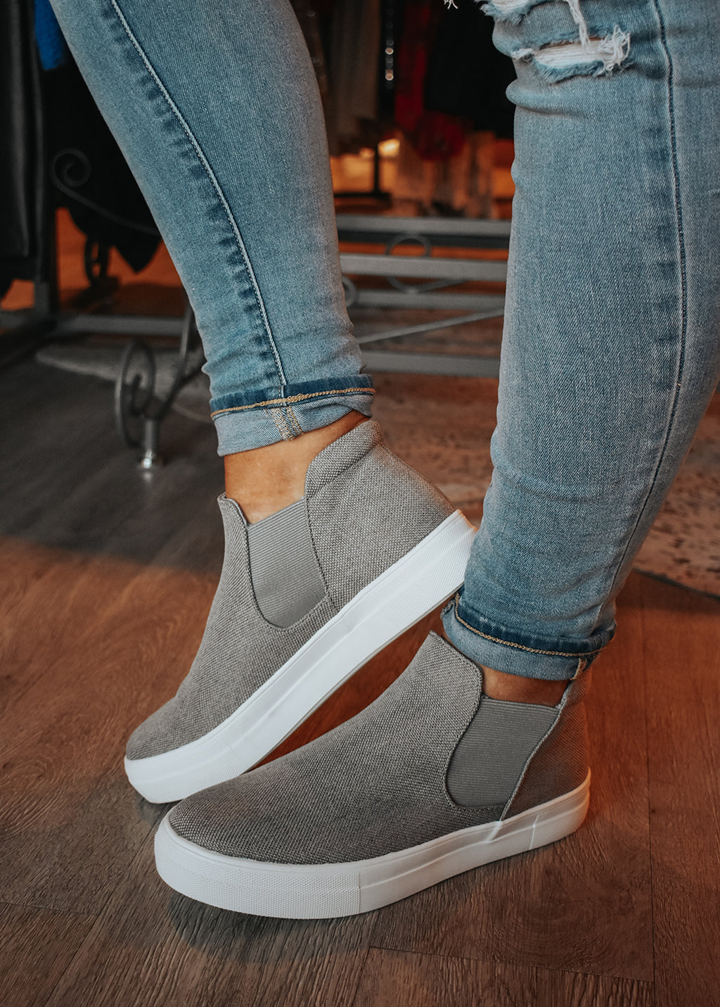 GREY WOOD CANVAS SHOE