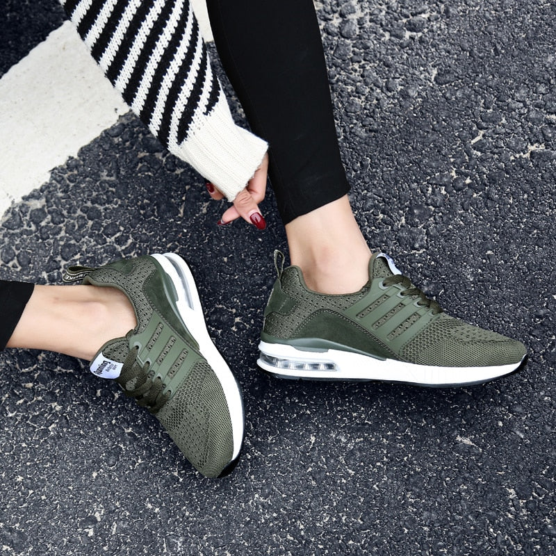Professional Sports Shoes for Jogging Female Cushion Trainers Green