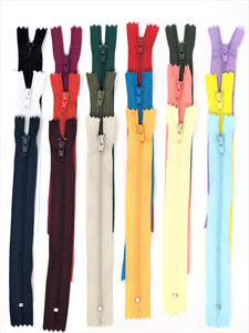 Nylon Zippers 20 Inches Coil #3 Closed Bottom