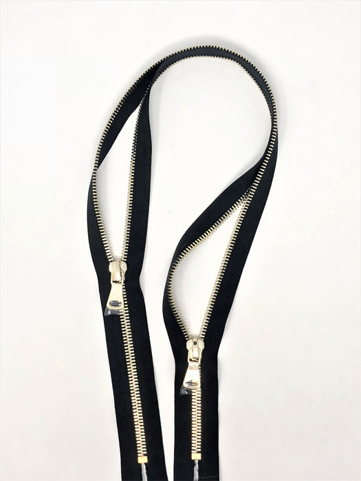 Black Glossy Two-Way Backpack or Luggage Zipper 8MM Brass Closed