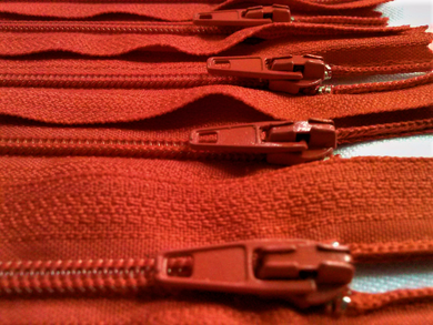 Red #819 Generic Nylon Zippers 12-22 Inches #3 Coil Closed Bottom