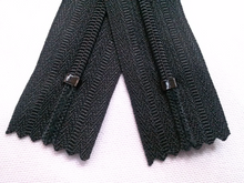 Black #580 Generic Nylon Zippers 12-22 Inches #3 Coil Closed Bottom