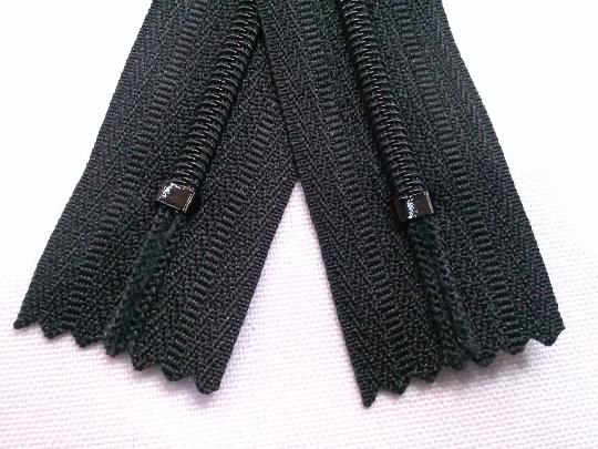 Black #580 Generic Nylon Zippers 12-22 Inches #3 Coil Closed Bottom - ZipUpZipper