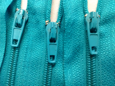 Teal #370 Generic Nylon Zippers 12-22 Inches #3 Coil Closed Bottom