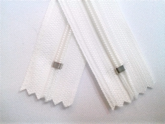 White #501 Generic Nylon Zippers 12-22 Inches #3 Coil Closed Bottom - ZipUpZipper
