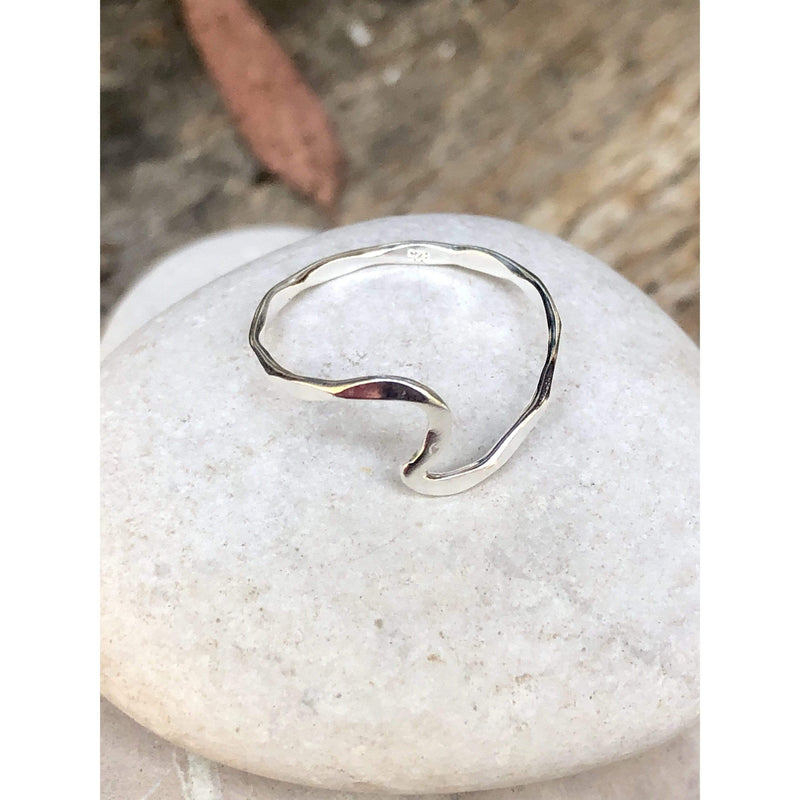 R0129 - Hammered Wave Ring