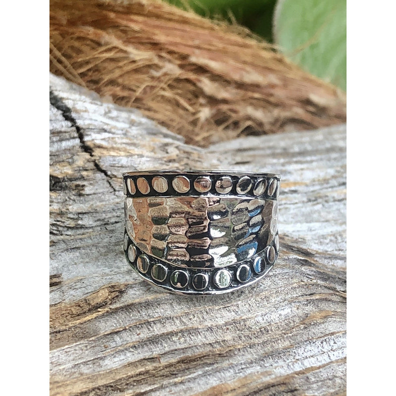 R0120 - Hammered Ring