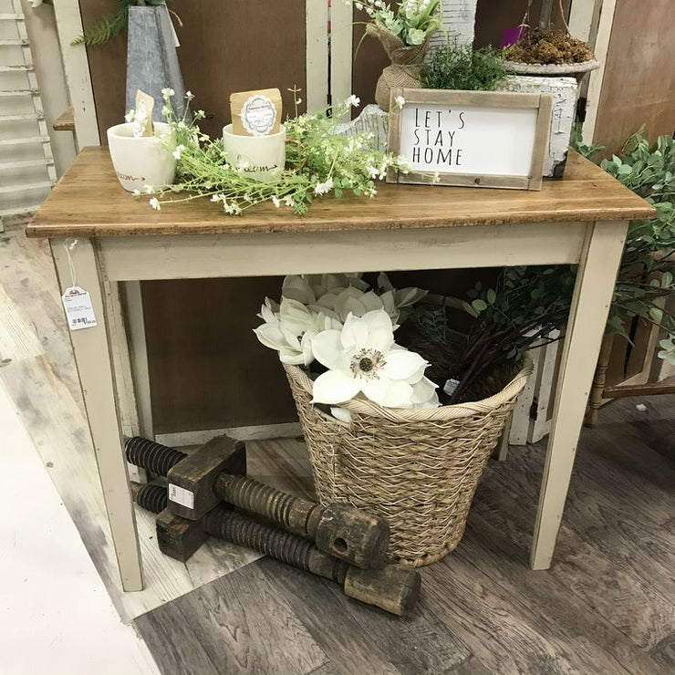 ENTRY OR SIDE TABLE