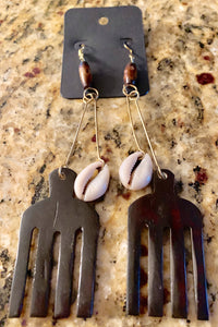 Cowrie Shell Pic Earrings