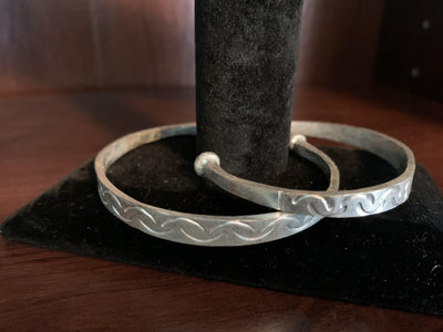 Silver Tuareg Etched Bangle - Mseljoy Accessories
