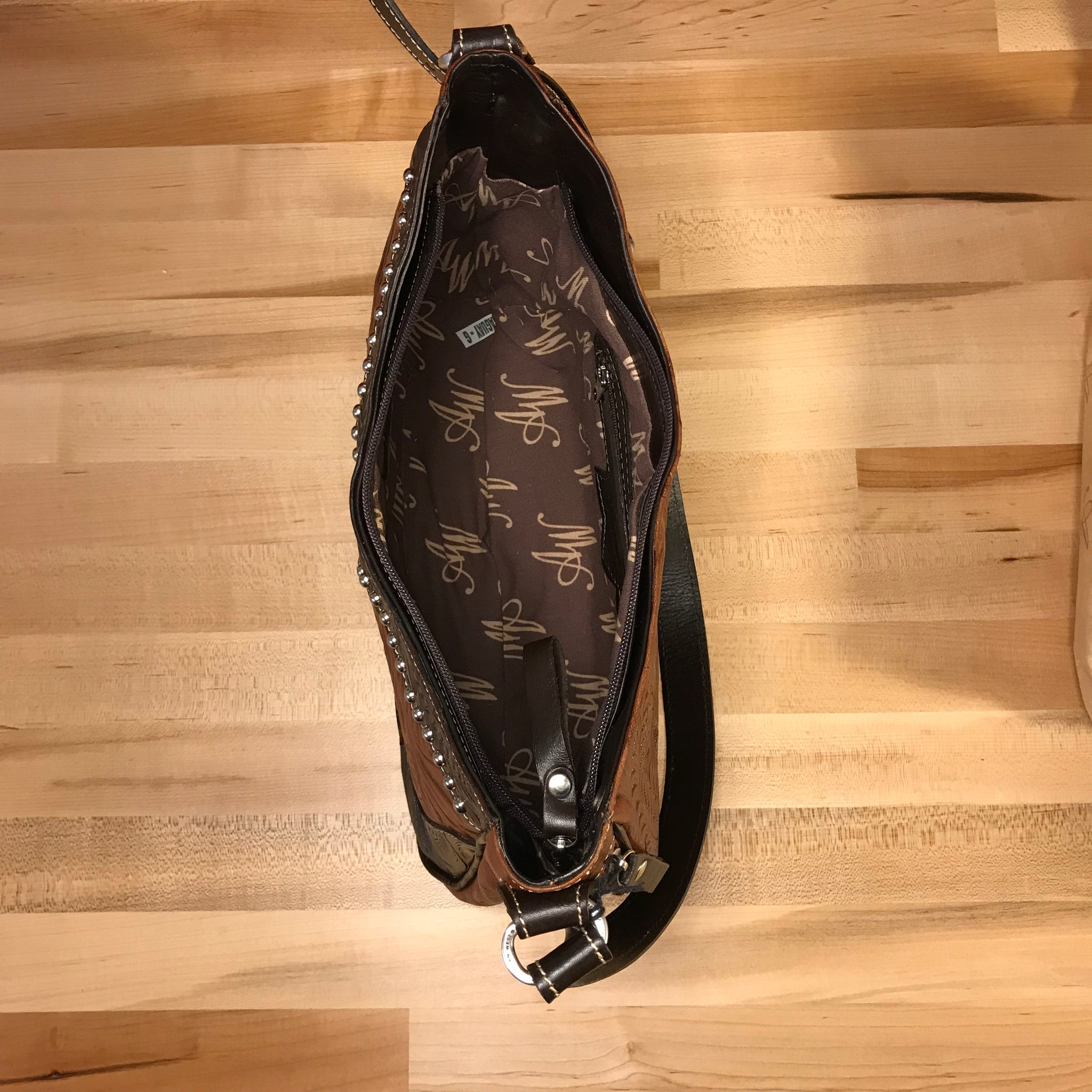 Concealed Carry Antique Tan and Chocolate Leather Zip-Top Structured Hobo - American Leatherworks
