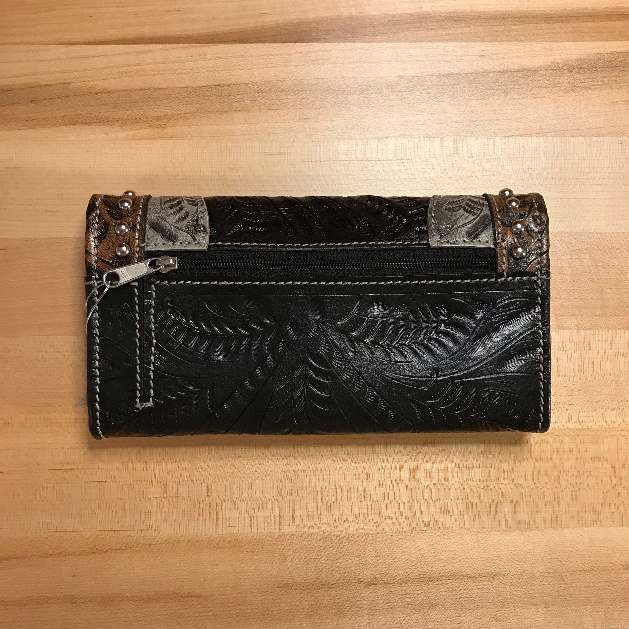 Black and Gray Leather Ladies' Trifold Wallet - American Leatherworks