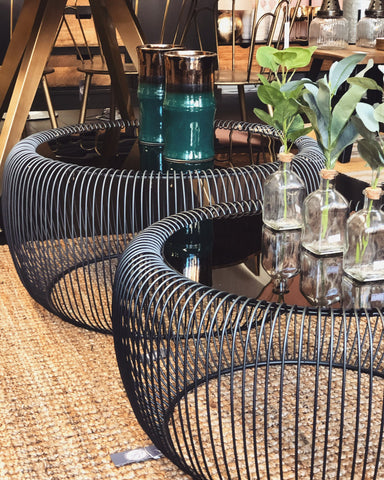 BLACK METAL WIRE TABLE
