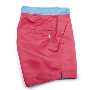 Our 'Fuchsia' shorts in a solid pink colour. The 'George' fit features our signature Thomas Royall blue waistband with a smart tailored fit.