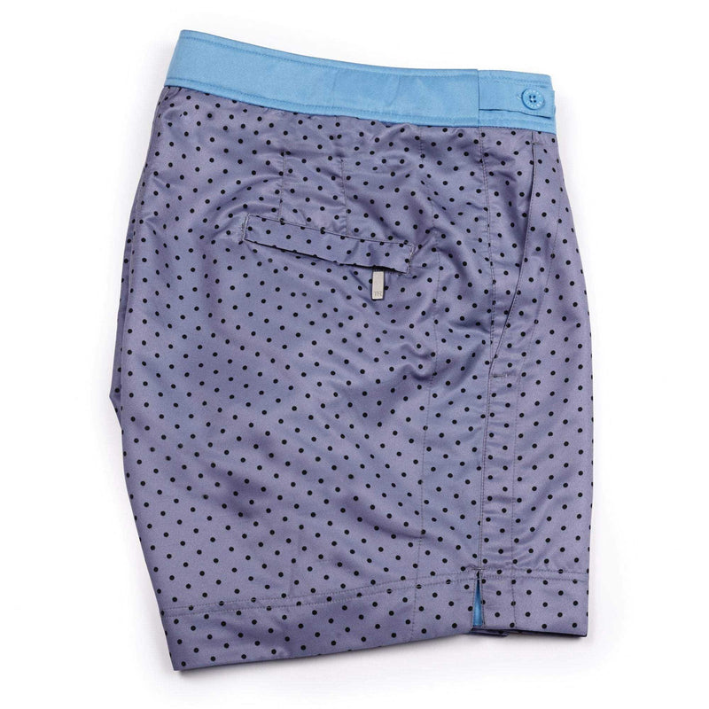 A grey blue short with Navy Polka Dot design. This 'George' style fit features the signature Thomas Royall blue waistband with a smart tailored fit.