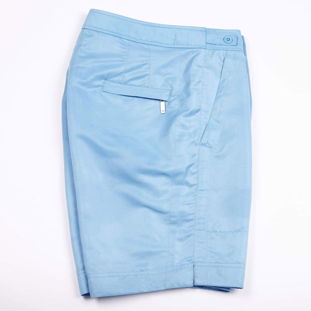 This 'Billy' style fit features the signature Thomas Royall blue waistband with a mid-length, smart tailored fit.