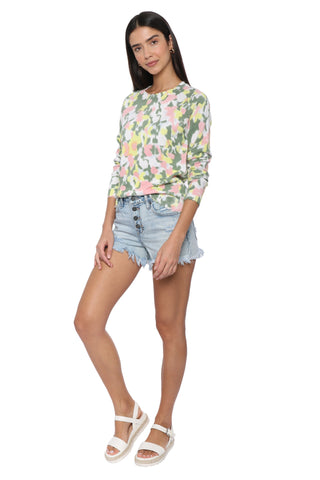 Hidden Light Wash 4 Button HR Mom Shorts