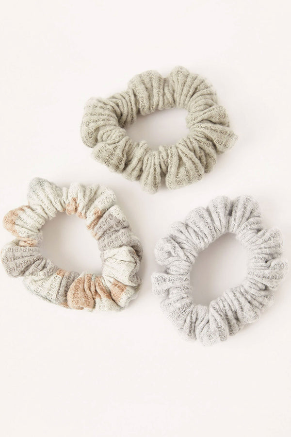 Z Supply 3 Pack Camo Scrunchies
