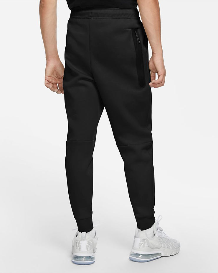 Nike tech fleece buxur svartar