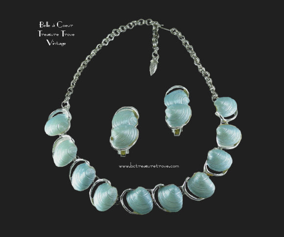 Light Blue Plastic Sea Shell Choker Vintage Necklace