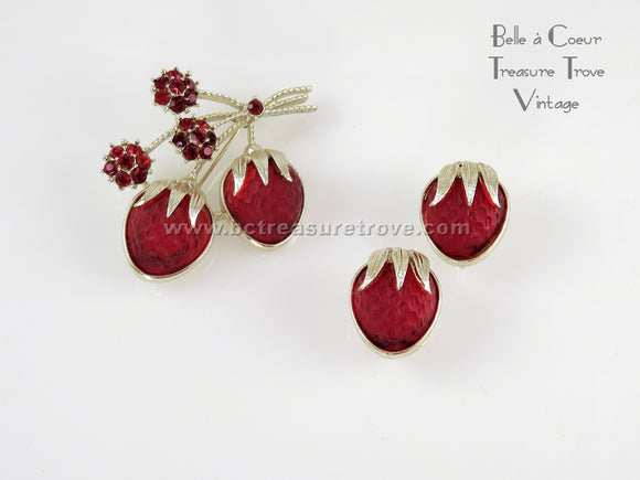 Sarah Coventry Strawberry Festival Brooch Earring Set 1960s Vintage