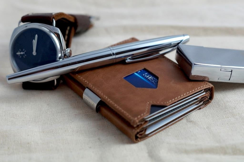 EXENTRI Wallet in Sand - Premium RFID Blocking Trifold Leather Wallet with Stainless Steel Locking Clip