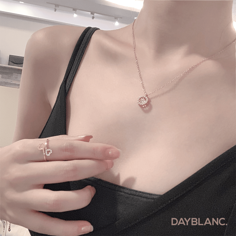 Shining Me (Premium | Necklace) - DAYBLANC
