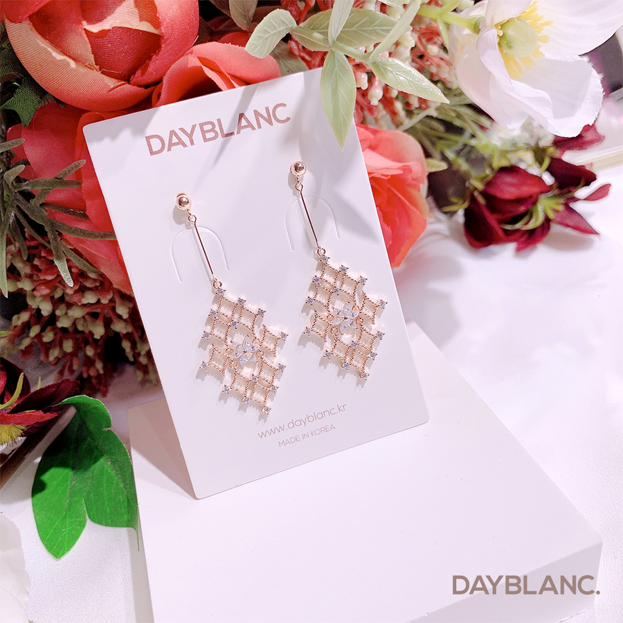 Frozen Heart (Earring) - DAYBLANC