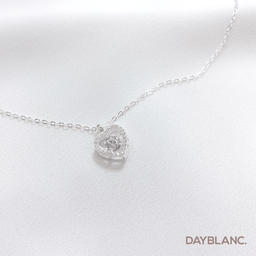 Pounding Heart (Premium | Necklace) - DAYBLANC