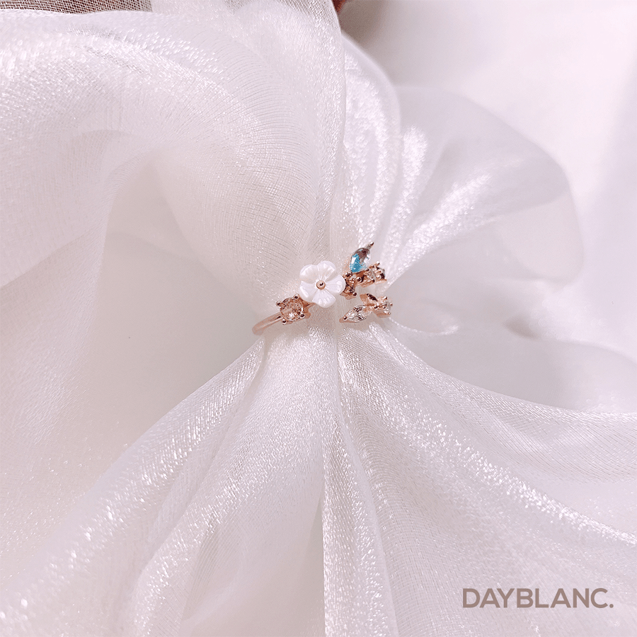 Seashell Flower (Ring) - DAYBLANC