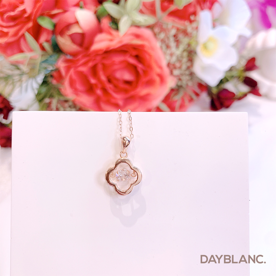 Pounding Clover (Premium | Necklace) - DAYBLANC