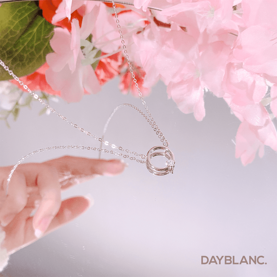 Daily Circle (Necklace)