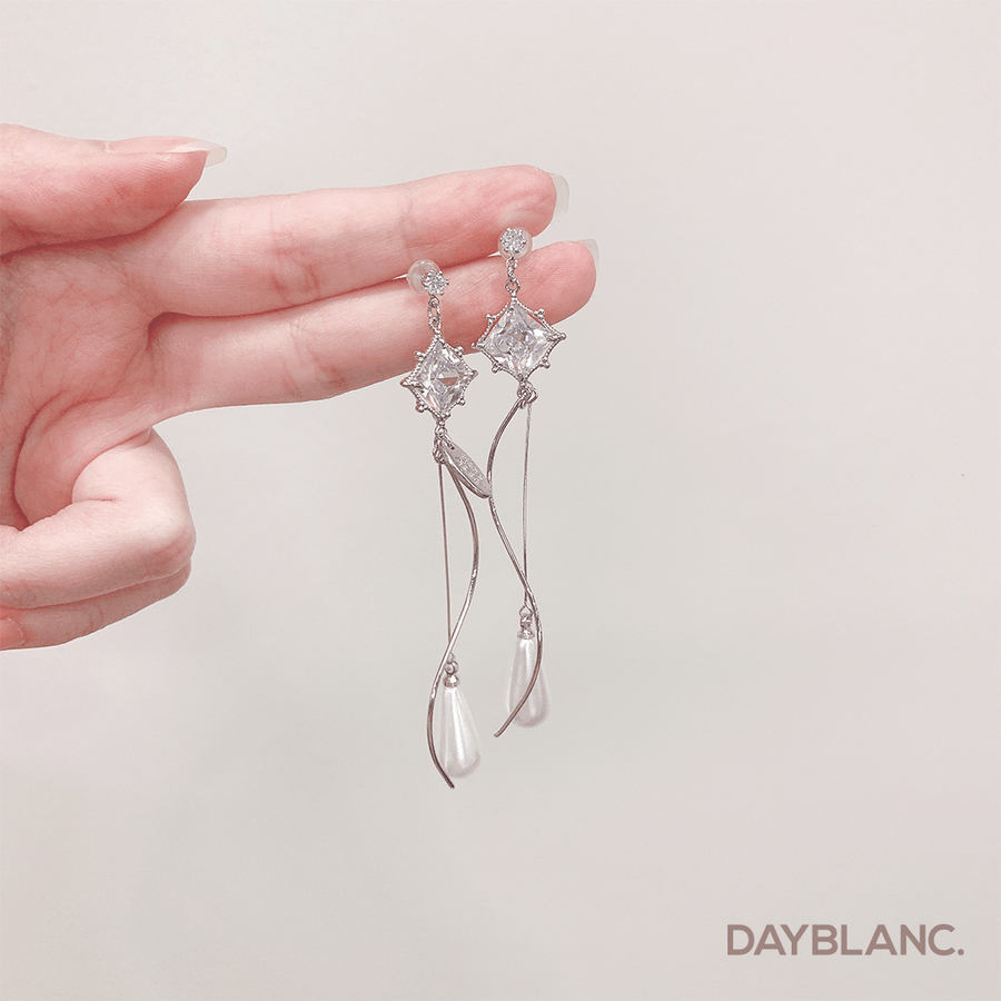 Water Fairy (Premium Earring) - DAYBLANC