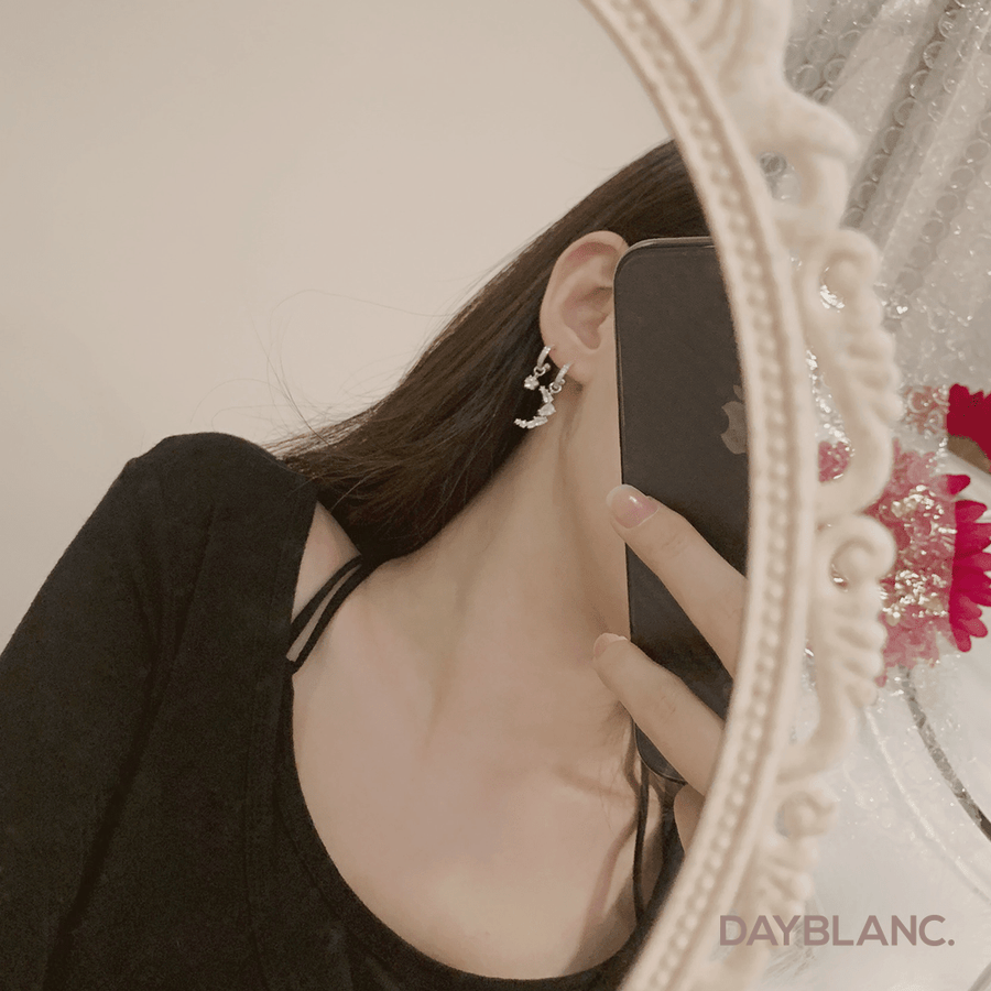 Story Of Night (Earring) - DAYBLANC