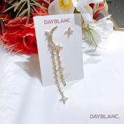 Floral Crescent (Earring) - DAYBLANC