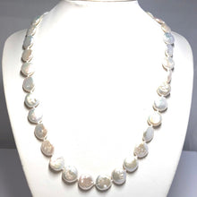 Load image into Gallery viewer, Coin Pearl Necklace