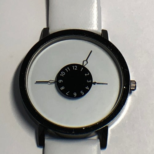 Minimalist Unisex Analog Quartz Watch